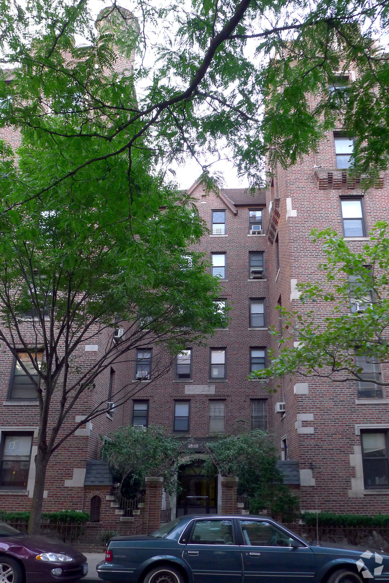 Local Investment Firm Pays $25M For Long Island City Apartment Building